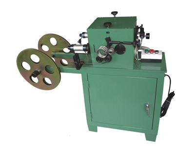 Μηχανή χύτευσης για στεγανωτικό ελαστικό